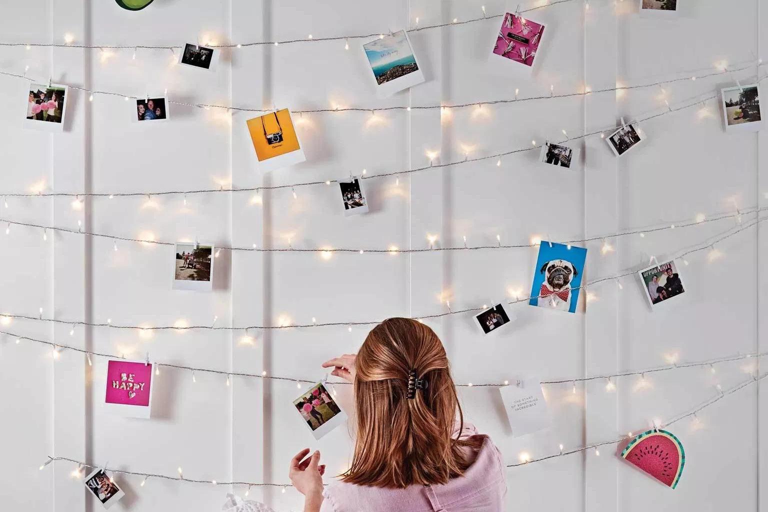 foto polaroid 2R dan lampu tumblr